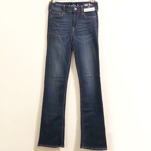 SALE | NWT Hollister Mid-Rise Bootcut Jeans